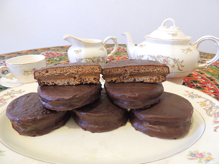 Chocolate Alfajores